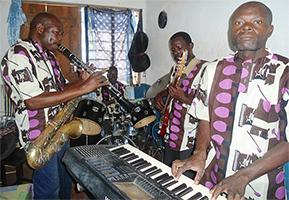 The Loi-Toki-Tok Band Loi Toki Tok Band Coka Mucie - Maitu giria maithori